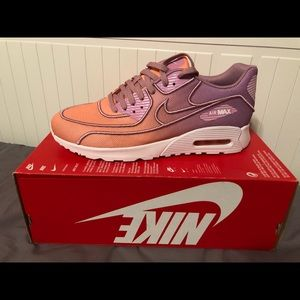 Nike Women's Shoes Air Max 90
